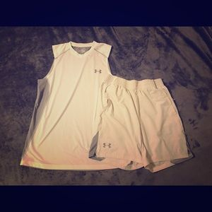 Matching UA workout top and shorts. Fitted medium